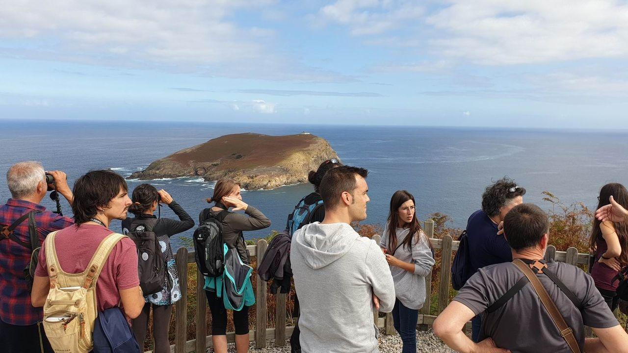 Las espectaculares imágenes que deja Fabien en Ferrol.Los focos que alumbraban el golfo Ártabro.