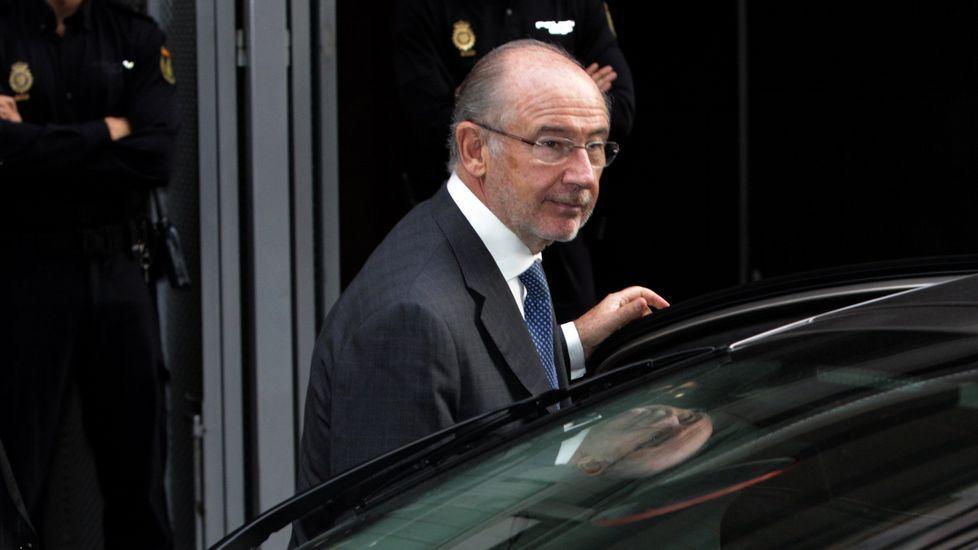 El juez deja en libertad a Rato y le retira el pasaporte.Óscar Rodríguez, Ricardo Pradas, José Luis Pego, Gregorio Gorriarán y Julio Fernández Gayoso