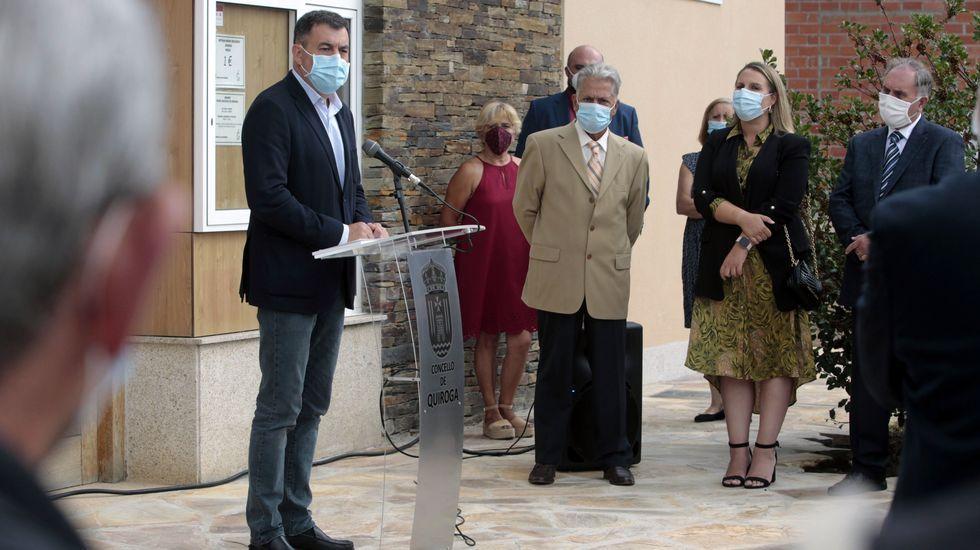 El conselleiro de Cultura, Román García, fue uno de los que intervino ante el público que asistió a la inauguración de la ampliación del museo