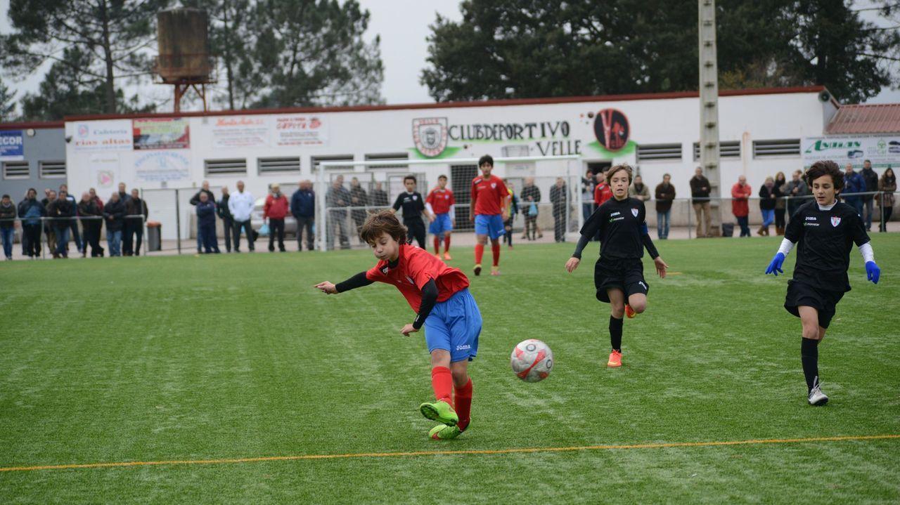 Campo de Monte da Aira, donde juegan el Velle y el Rosalía.