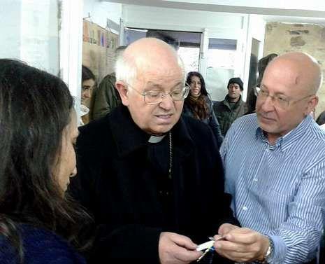 Barrio recibió una llave decorada en su visita a Vieiro.