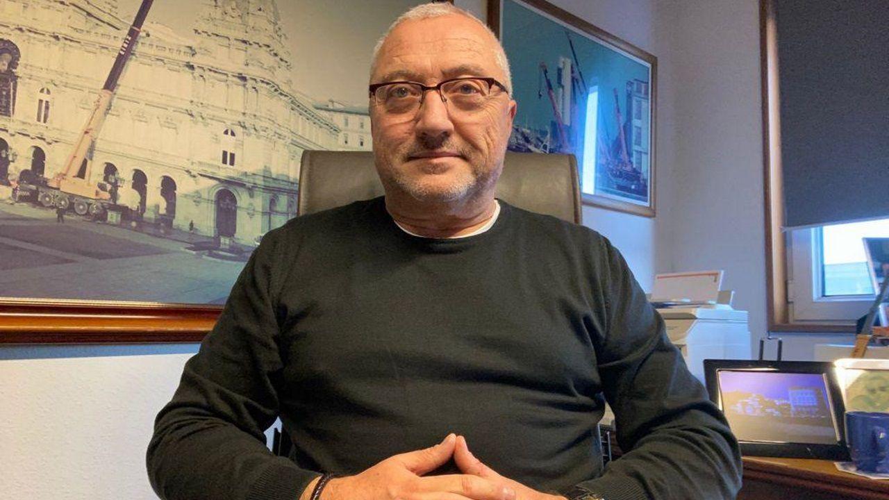 Atraca por primera vez en A Coruña un petrolero propulsado por gas licuado.José Antonio Eiriz García.