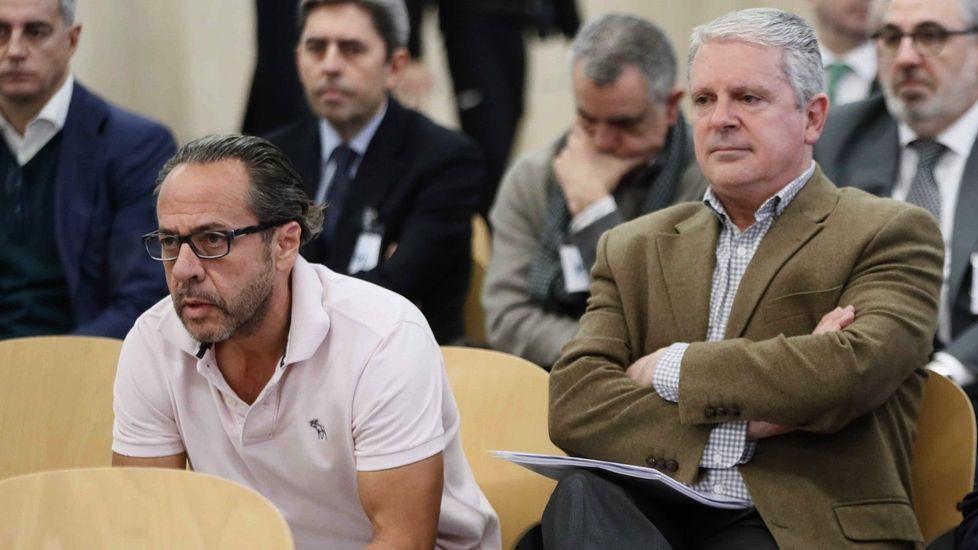El Bigotes, a la izquierda, junto a Crespo en una sesión del juicio