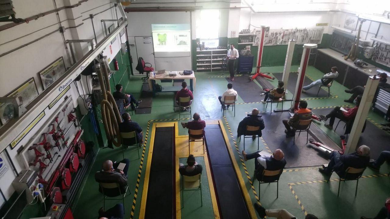 La jornada de limpieza de Coidemos Lugo, en imágenes.La jornada del lunes tuvo lugar en los talleres del ciclo de automoción