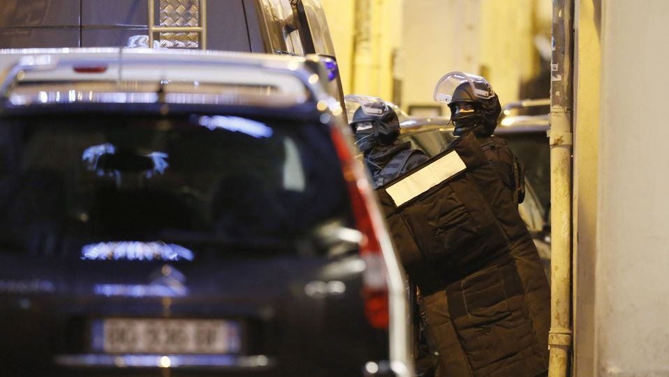 Asalto de la policía a la tienda judía.En Niza, más de 23.000 personas se han manifestado en la emblemática avenida de los Ingleses con el lema «Yo soy Charlie».