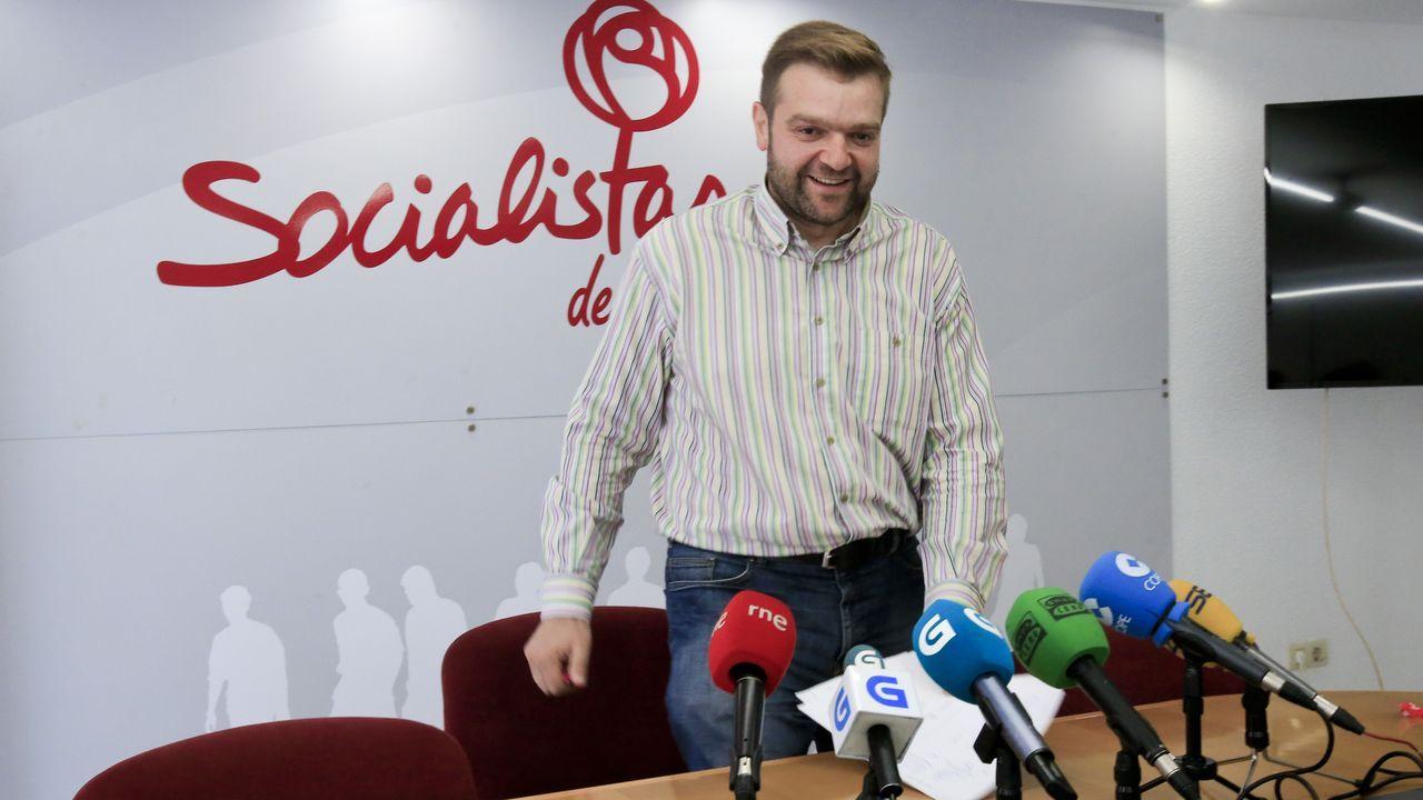 Las imágenes del desfile infantil del Arde Lucus.El secretario general del PSOE en la provincia de Lugo, Álvaro Santos, en la rueda de prensa en la que anunció su renuncia