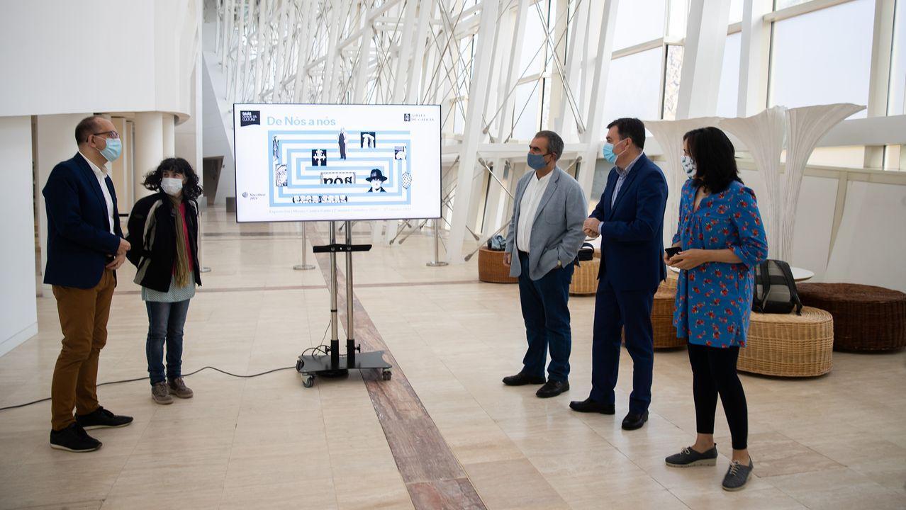 Representantes del comité de empresa de Alcoa se reunieron de nuevo este sábado en Santiago con el presidente de la Xunta y el conselleiro de Industria