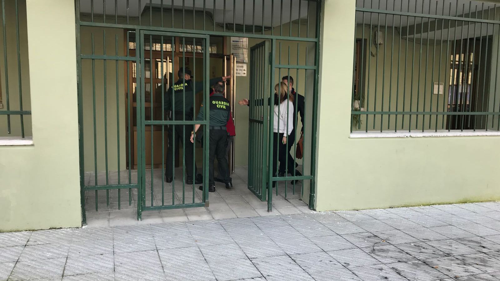 La detenida por el apuñalamiento de un hombre en El Condao pasa a disposición judicial.Un bombero en un incendio