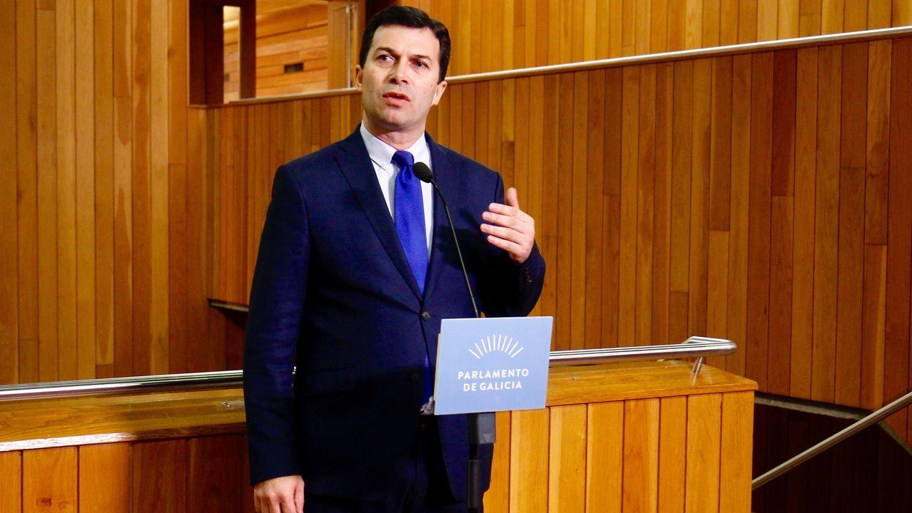 artabra.El secretario general del PSdeG, Gonzalo Caballero, ha considerado que Feioóo ha pronunciado su «despedida» durante el Debate del Estado de la Autonomía, con un discurso «vacío» de proyecto y soluciones. Ha lamentado que se limitase a utilizar la «confrontación» con el Gobierno del Estado para tapar que «no tiene nada que mostrar» a los gallegos.