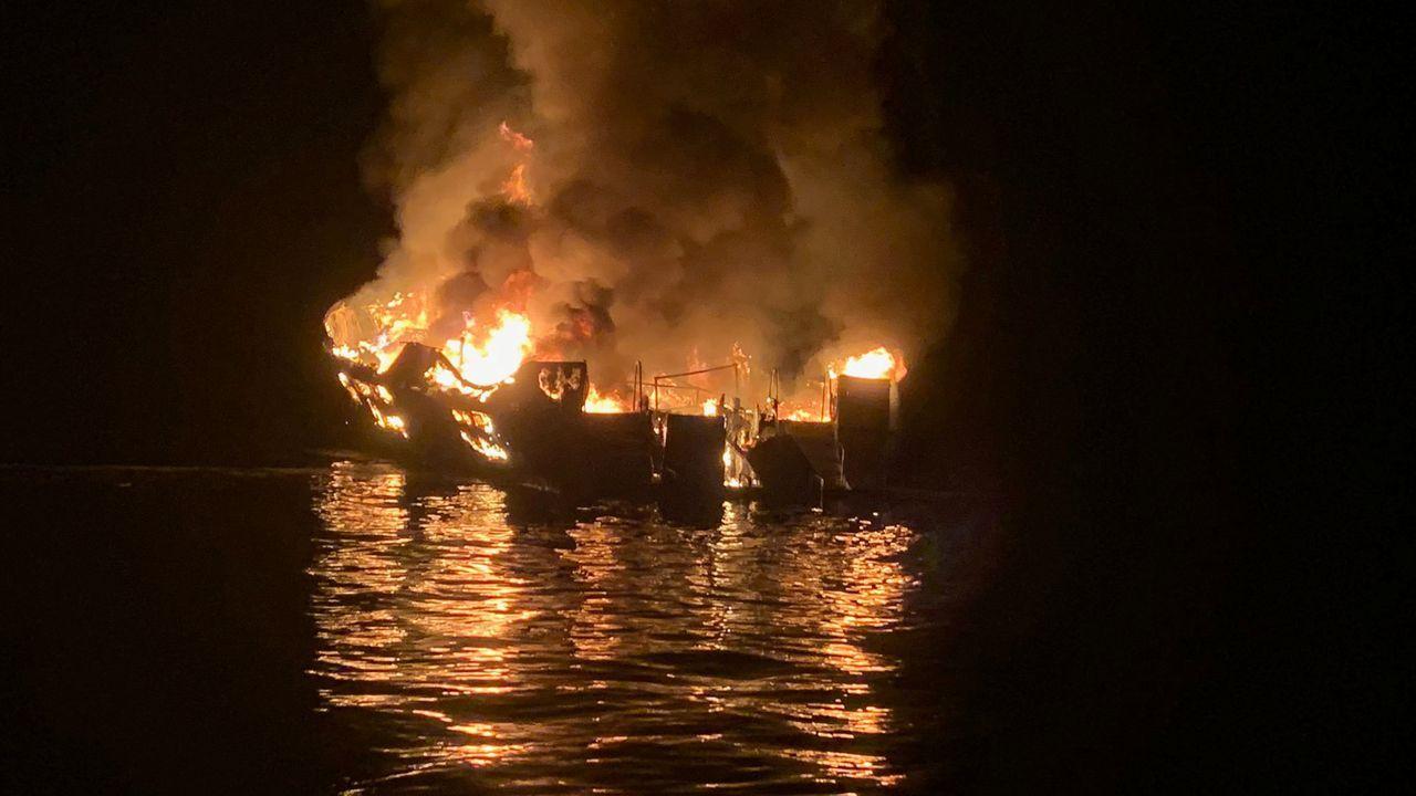Incendio de un barco en California