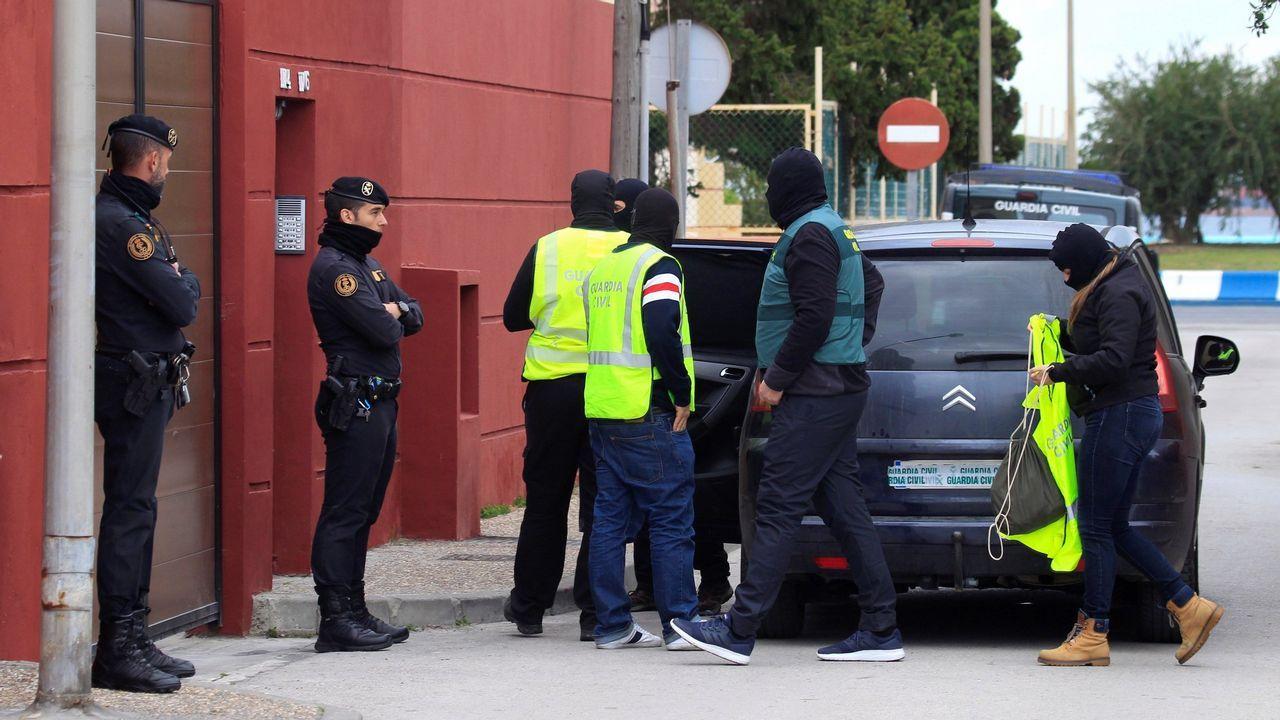 Carballada.Registro de una vivienda en una operación contra el narcotráfico en Gibraltar