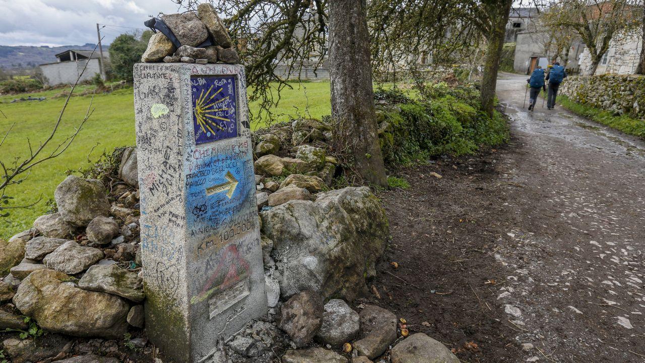 Kilómetro 100 de la ruta francesa, en la aldea de A Pena
