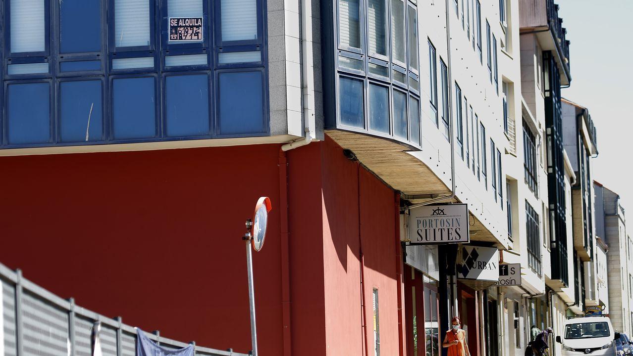 La oferta de pisos de alquiler para todo el año es reducida en localidades como Portosín