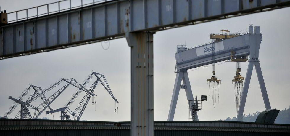 Navantia ha afirmado reiteradamente que repartirá la obra de los petroleros entre la bahía de Cádiz y el astillero de Fene.