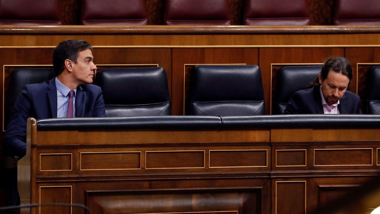Pedro Sánchez y Pablo Iglesias durante la sesión de control en el Congreso