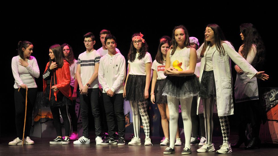 Siete colegios implantan el plan de robótica.El presidente de la Diputación de A Coruña agradeció el premio, en presencia de Carmen Calvo y Abel Caballero