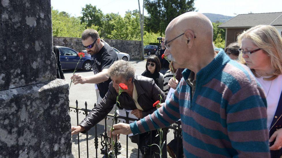 El BNG de Lalín organizó un acto en el monumento al Labrego en Lagartons