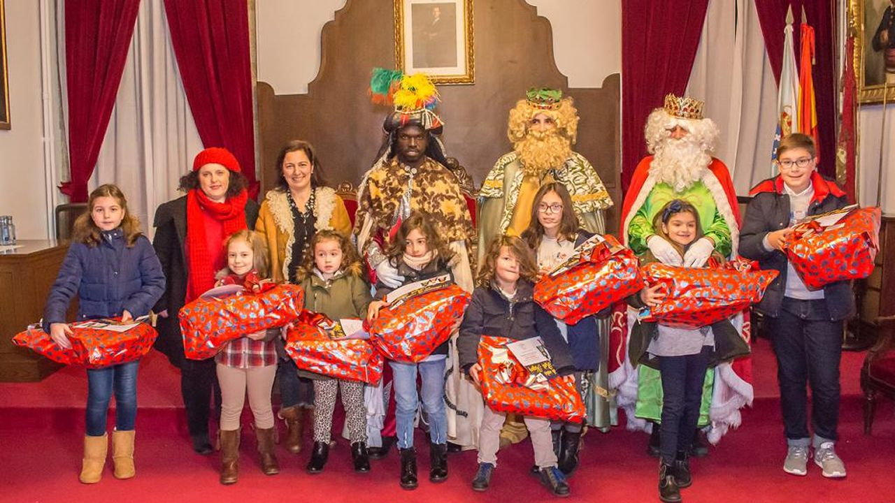 Entrega de premios del III concurso de cartas a los Reyes Magos en Betanzos.CABALGATA DEL RURAL, EN FERROL