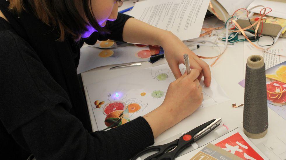 Pinturas conductoras de electricidad, placas, adhesivo de cobre... los materiales se adaptan al STEAM