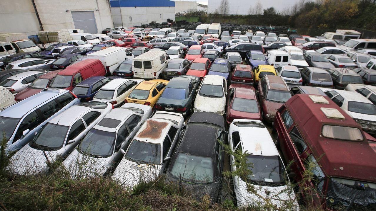 En el depósito hay más de 300 coches