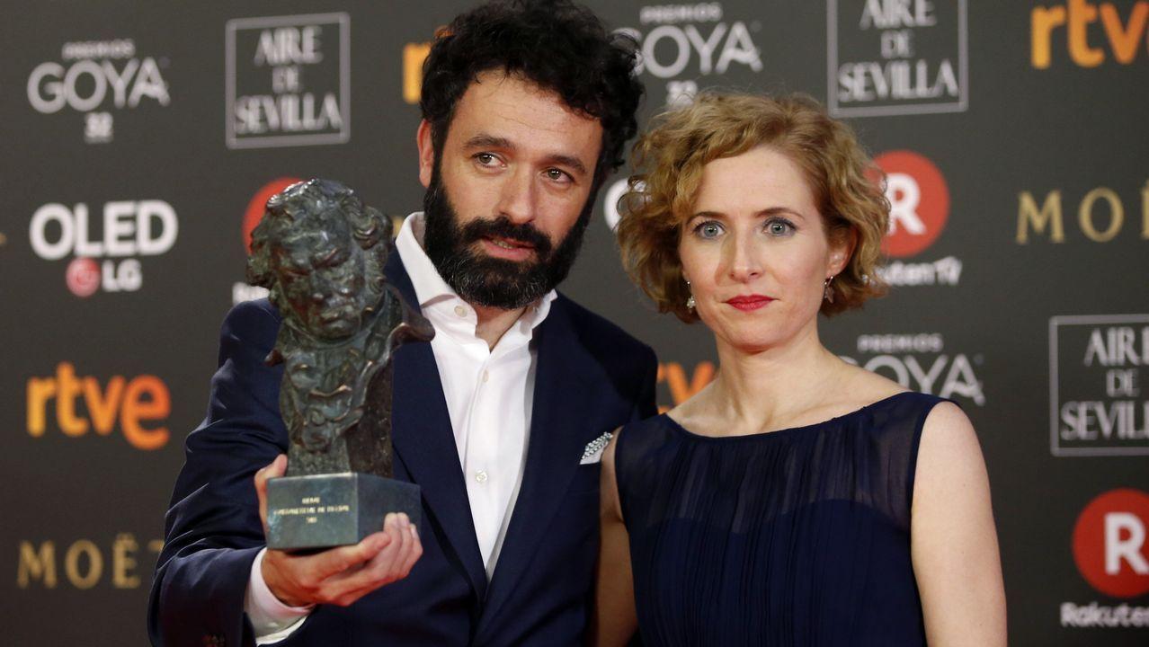 El realizador Rodrigo Sorogoyen posa con el premio al «Mejor cortometraje de ficción» por su trabajo «Madre»