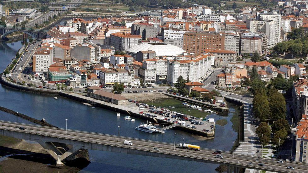 Inspección del narcosubmarino en las instalaciones de la Zona Franca de Vigo