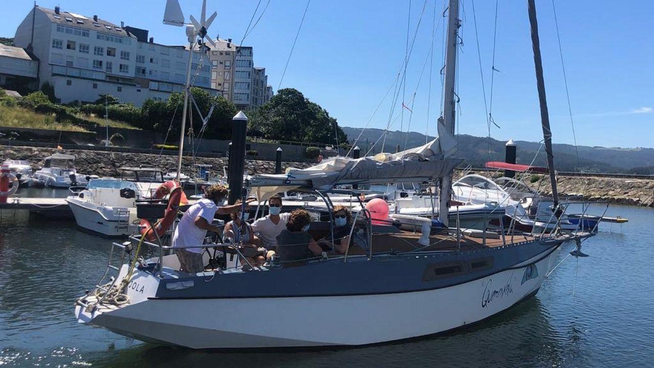 El Sanjola, saliendo del puerto de Ortigueira para una de las primeras expediciones de esta temporada