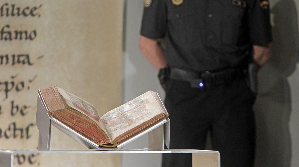 Cinco años del hallazgo más deseado.El Códice Calixtino en julio del 2012, el día en que fue devuelto a la catedral tras su robo.