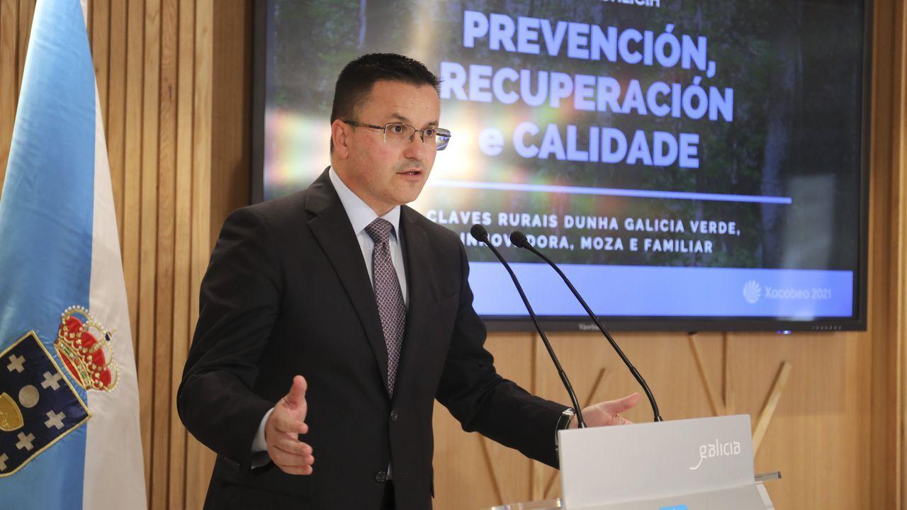 Divertido y entrañable encuentro entre Feijoo y Benedicta Sánchez.Feijoo, este lunes, durante su comparecencia para anunciar la convocatoria de elecciones autonómicas