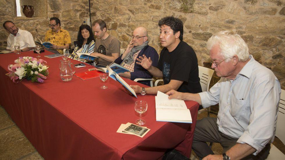 ¡La Carreira de Muxía de este domingo, en imágenes!.Ana Varela xa ten outro poemario anterior premiado e publicado