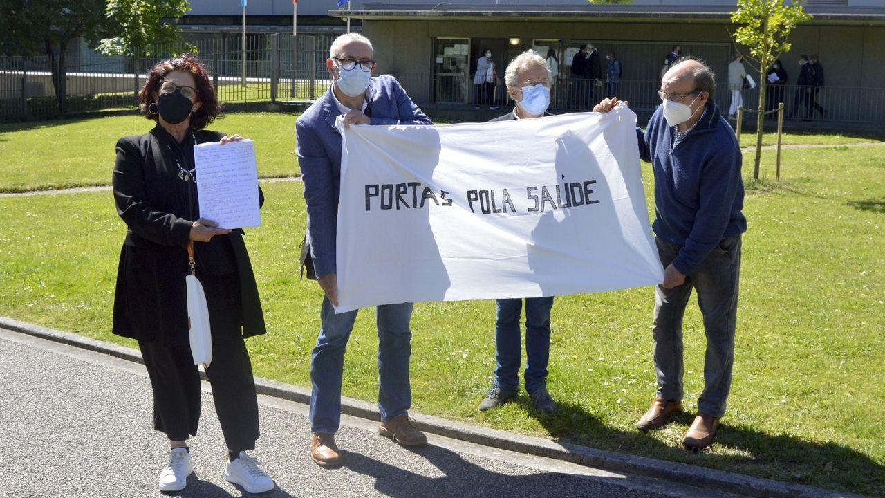La maqueta de tren que llena una habitación.Cuatro representantes vecinales de Portas presentaron las 842 firmas en la Delegación Territorial de la Xunta en Pontevedra