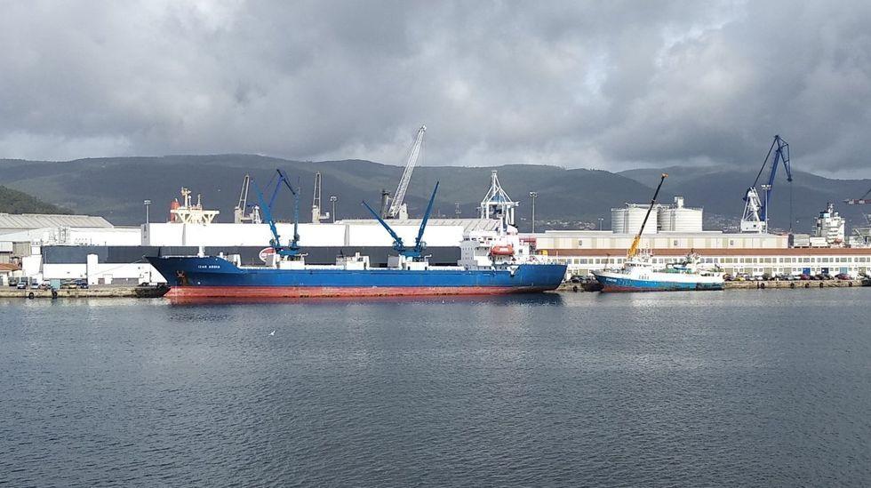 Así es el arrastrero construído en Marín para la holandesa Osprey.Un operario de una empresa de transformación de productos del mar, uno de los sectores puntales para el empleo en la comarca de Pontevedra