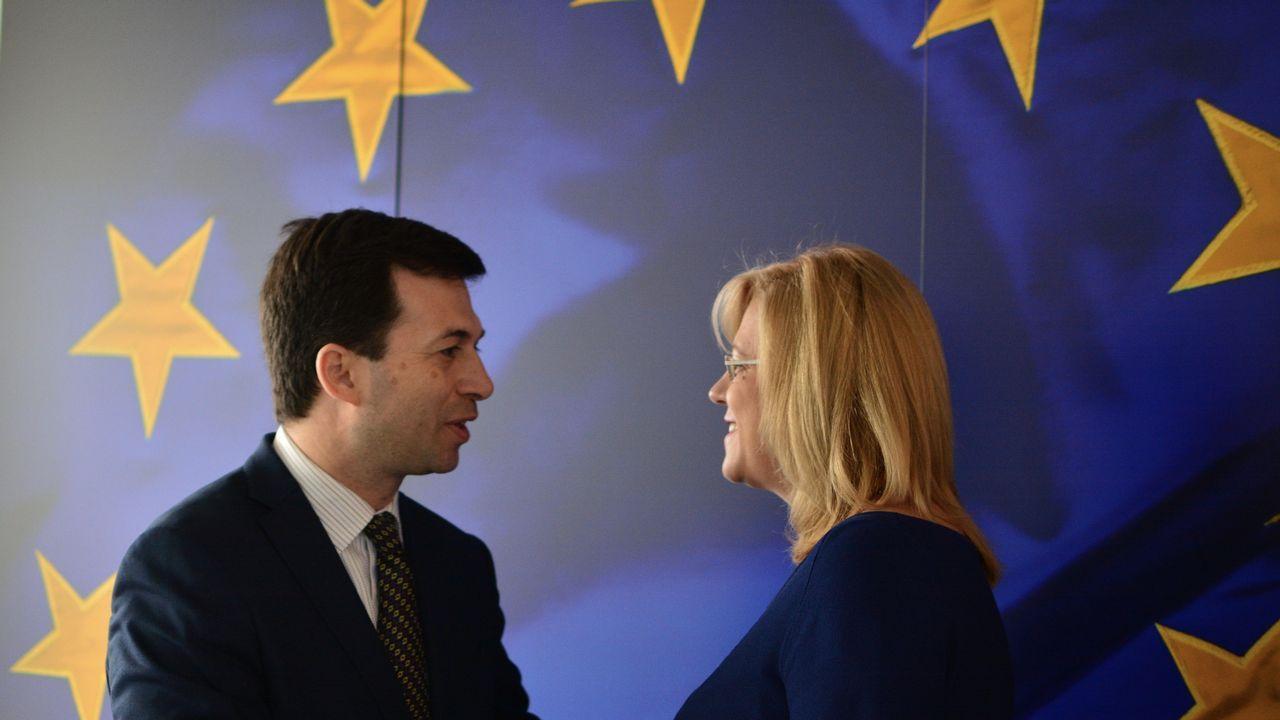 Las imágenes del acto de Pedro Sánchez en Oviedo.Caballero se encontró con la comisario de Política Regional, la rumana Corina Cretu