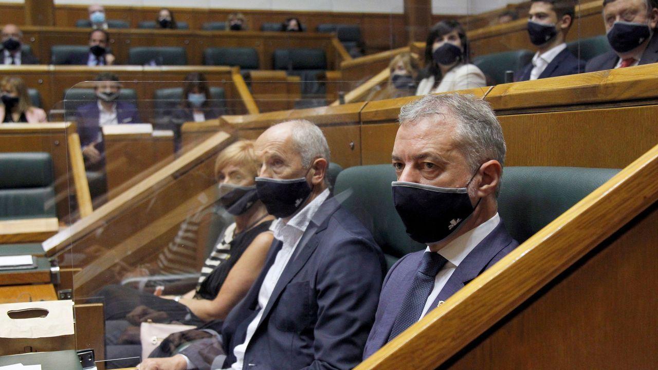 Urkullu, en su escaño, en el recién constituido Parlamento vasco