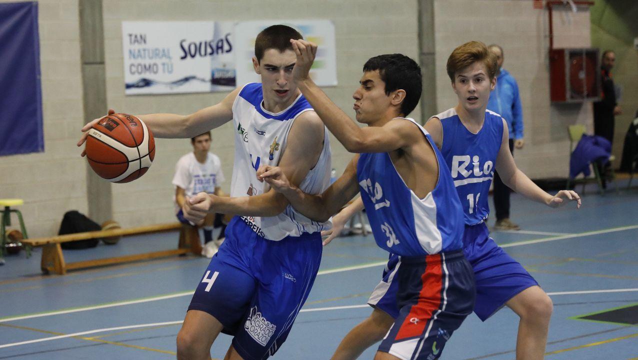 Baloncesto de formación.Miles de atletas recorrieron las calles de Ourense en la clásica atlética de otoño