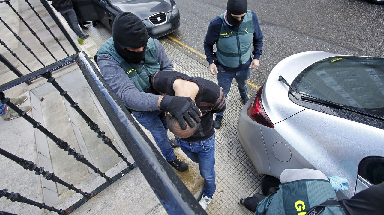 Detención de los sospechosos en noviembre del 2019 en su piso franco de la pontevedresa calle Tablada