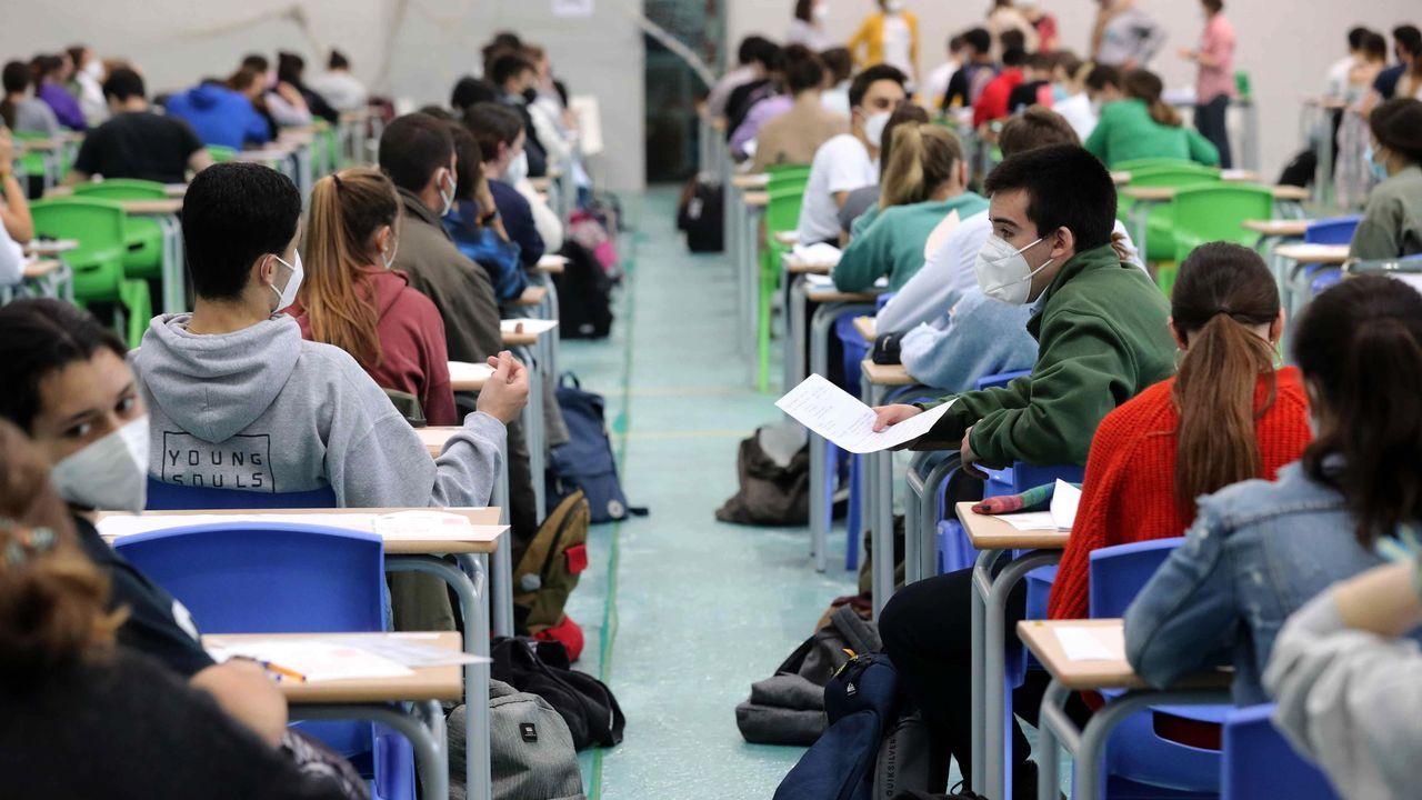 Estudiantes asturianos antes de hacer la EBAU