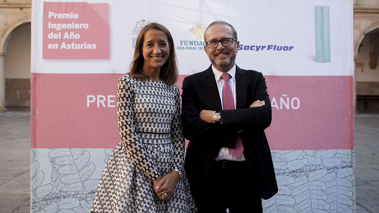 Fernando Alonso Cuervo y Lucía García Linares reciben el premio al Ingeniero del Año 2019