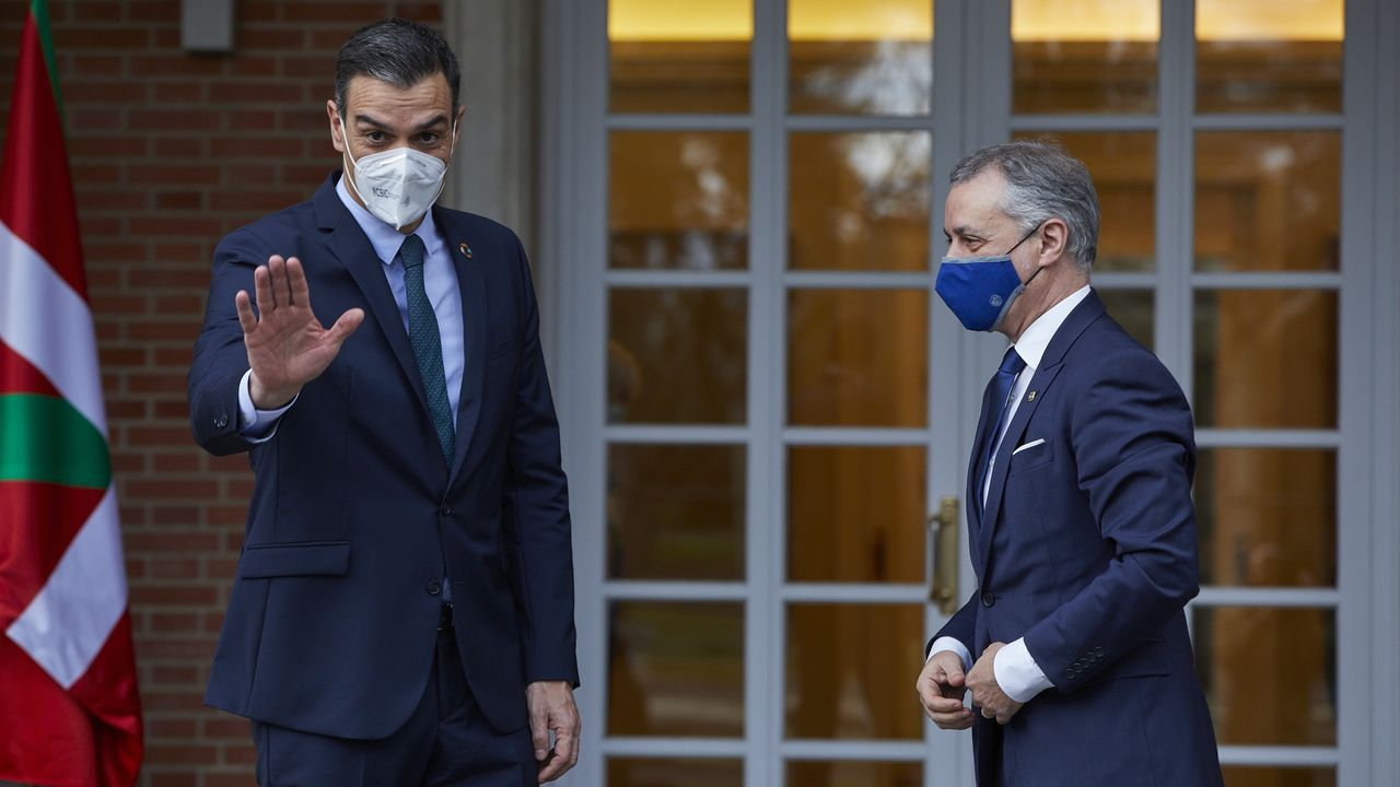 El presidente Pedro Sánchez y el lendakari Urkullu, este lunes en la Moncloa