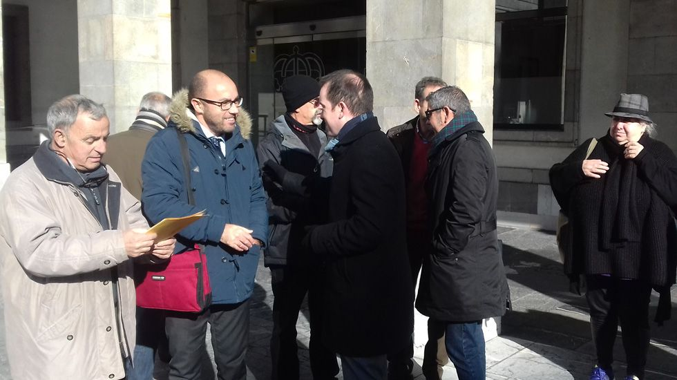 Gijón: el aliado de las ciudades gallegas en el noroeste.Txomín Goñi Tirapu, Alberto Suárez y José Ángel Gayol