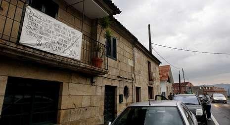 Los vecinos de varias zonas de Mourente y Bora llevan tiempo reclamando el saneamiento.