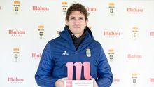 Blanco Leschuk, con el premio a mejor jugador de diciembre en el Oviedo