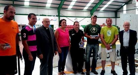 Los primeros clasificados recibieron los premios de la alcaldesa Zaira y Carlos Oliete, de Ferroatlántica.
