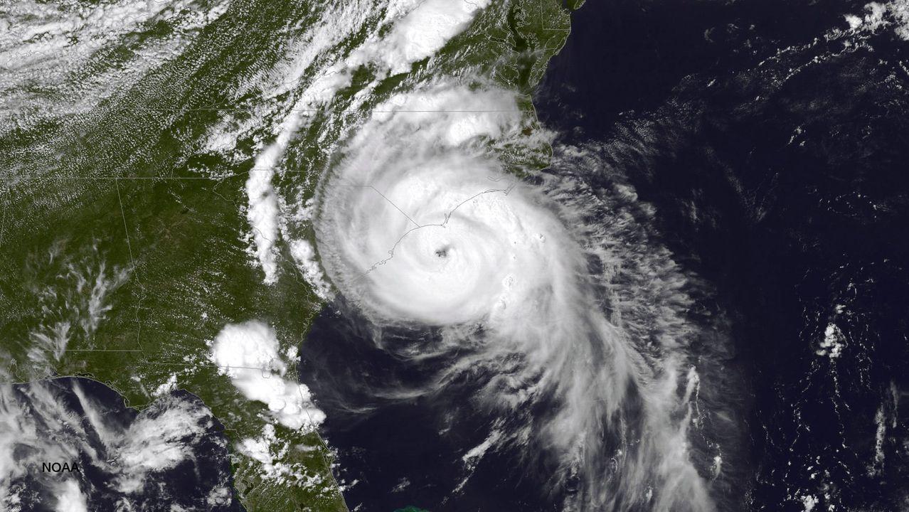 Fotografía satelital del huracán Arthur