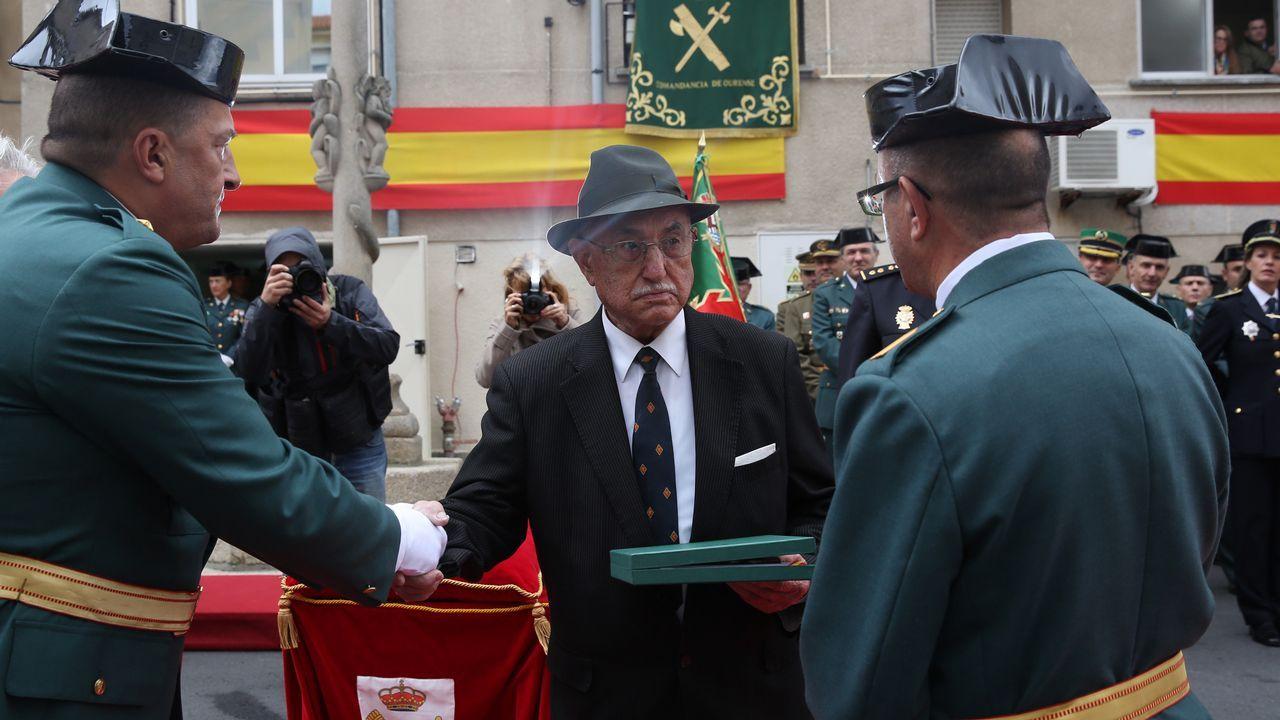 ACTO INSTITUCIONAL CASTRENSE DEL DÍA DEL PILAR.La Guardia Civil homenajeó a Manuel Vázquez, guardia jubilado que va a cumplir cien años