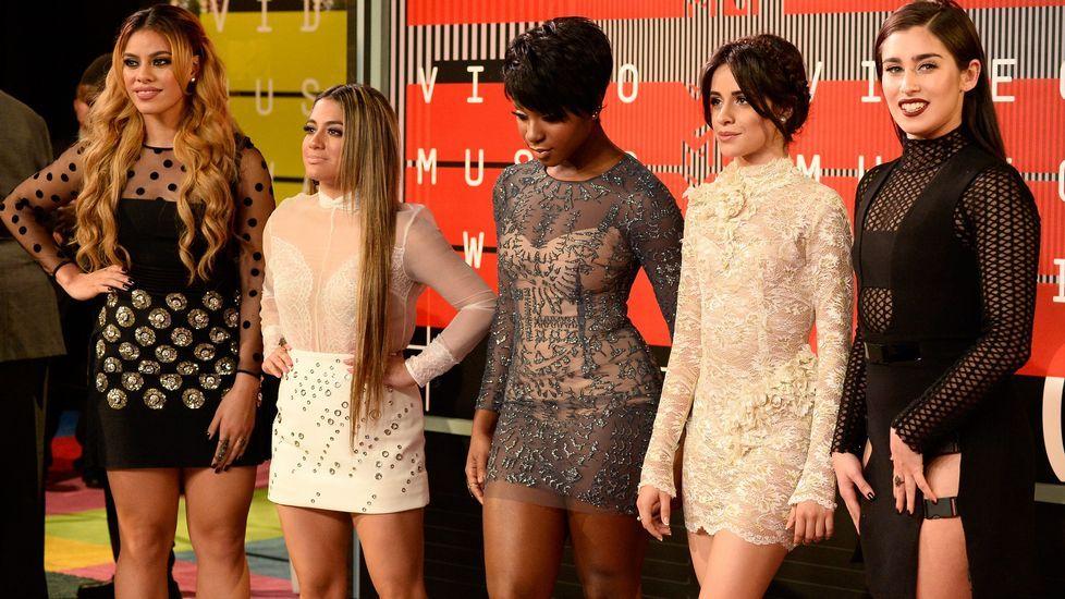 Dinah-Jane Hansen, Ally Brooke, Normani Hamilton, Camila Cabello y Lauren Jauregui de Fifth Harmony antes de la gala
