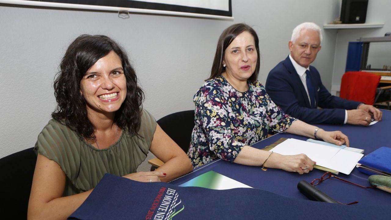 Carmen González, en el centro