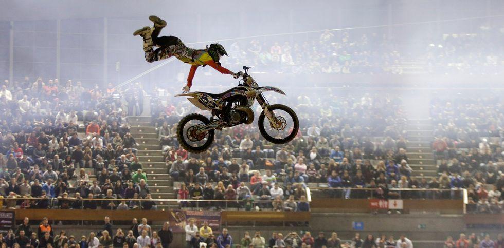 El público podrá disfrutar de los mejores saltos y piruetas sobre motos.