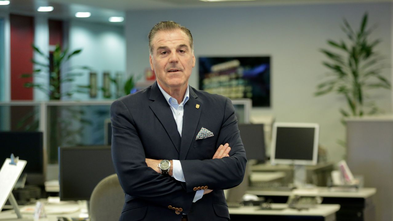 Entrevista a Fernando Vidal, presidente del Deportivo de La Coruña.David Corral era el mayor productor de miel de Galicia
