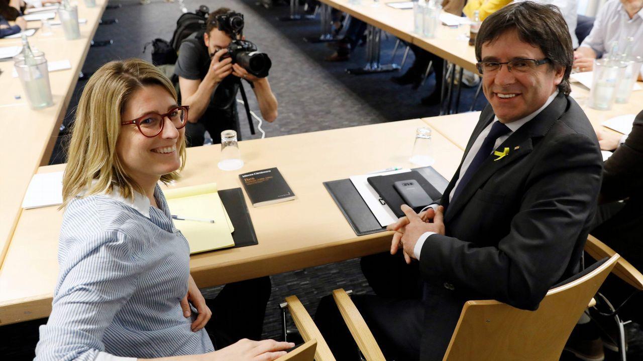 Rajoy a Rivera: «Compórtese usted como se está comportando el PSOE en el tema de Cataluña y nos irá mucho mejor».La ministra de Sanidad, Dolores Montserrat, acusó a Puigdemont de alargar «la agonía que el mismo ha creado entre catalanes»
